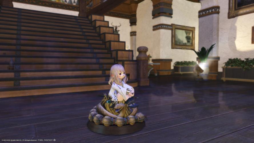 パズズの祭壇にお座りするララフェル